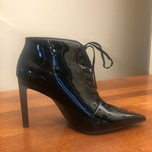 ZARA | Black patent lace up point toe ankle boot